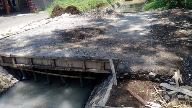 Dinas PU Jember Hentikan Pembangunan Jembatan
