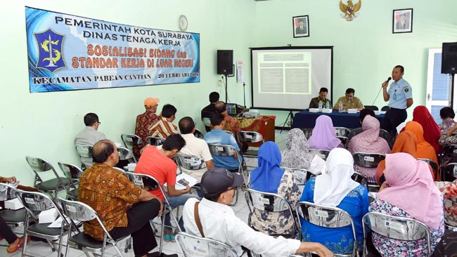 Disnaker Surabaya Sosialisasi Standard Kerja di Luar Negeri