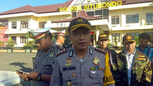 Kapolres Situbondo AKBP Awan Hariono,SH.,SIK.,MH saat diwawancarai Memontum.com. Minggu (13/5) sore. (im)