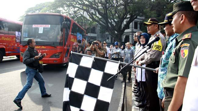 Sekda Kota Malang Lepas 901 Pemudik Gratis 2018