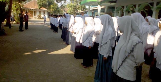 Suasana siswa saat mendapat pelatihan PBB