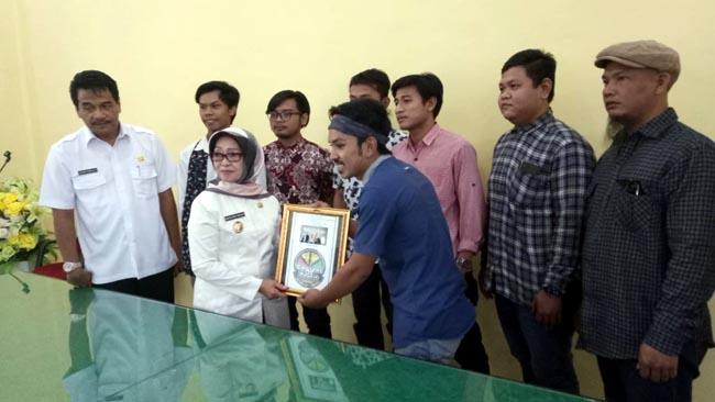 "Munjidah Apresiasi ""Jombang Beriman""  Karya Central of Peace"