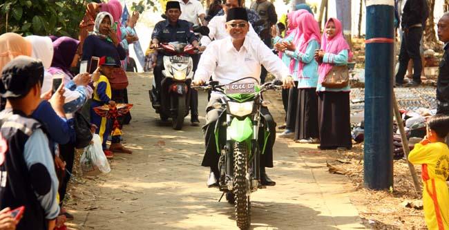 Kedatangan Bupati Malang, rendra Kresna di lokasi wisata sumber sira (kik)