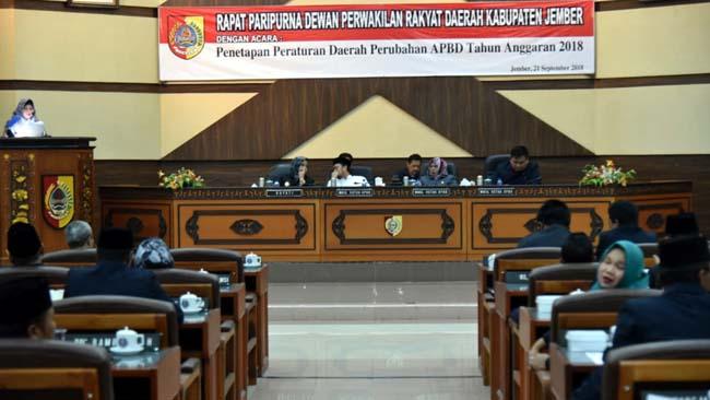 Bupati Jember dan DPRD Tetapkan Ranperda 2018 menjadi Perda