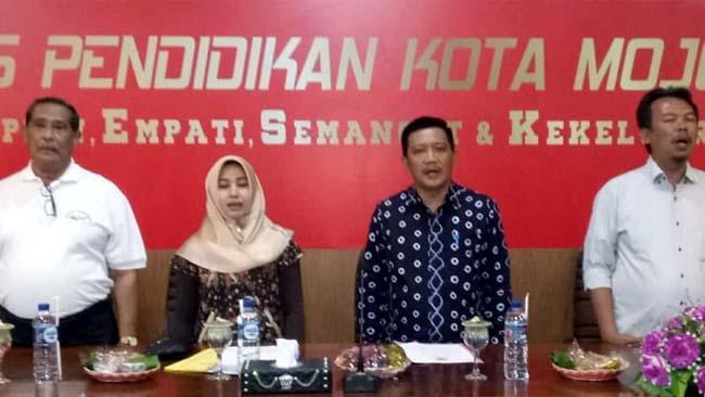 Neng Ita Berangkatkan Tim Gala Siswa Indonesia