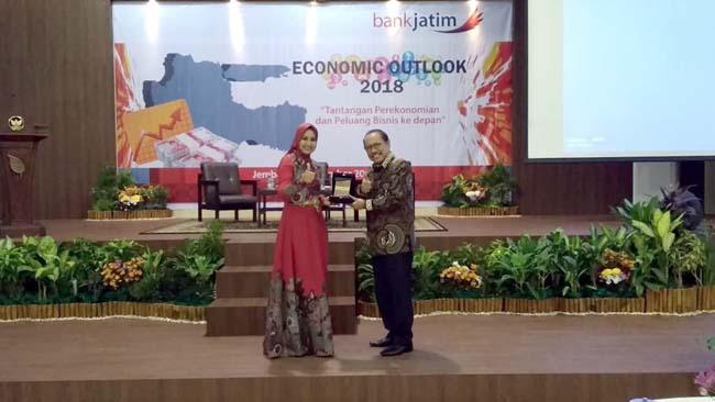 Bupati Jember Selenggarakan Seminar Economic Outlook 2018