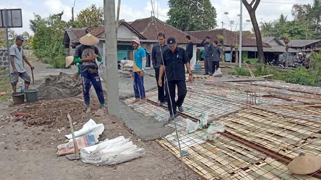 PU Pengairan Stop Pembangunan di Atas Drainase