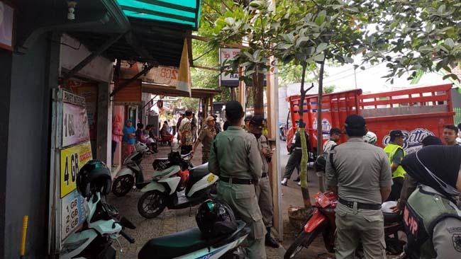 Pertahankan Adipura Pol PP Kota Probolinggo Tindak Tegas PKL Bandel