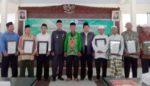 Bupati Serahkan Sertifikat Wakaf Tanah pada Takmir Masjid Al Abror