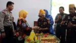 Hadiri HUT LVRI, Bupati Haryanti Berikan Bantuan Rehab Kantor
