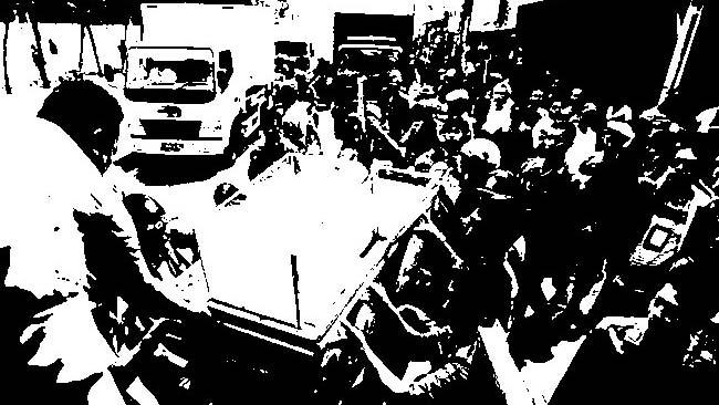 Pemkot Surabaya 'Gulung' Sederet PKL