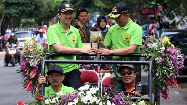 Raih Piala Adipura ke 7, Bupati Trenggalek Kirap Piala