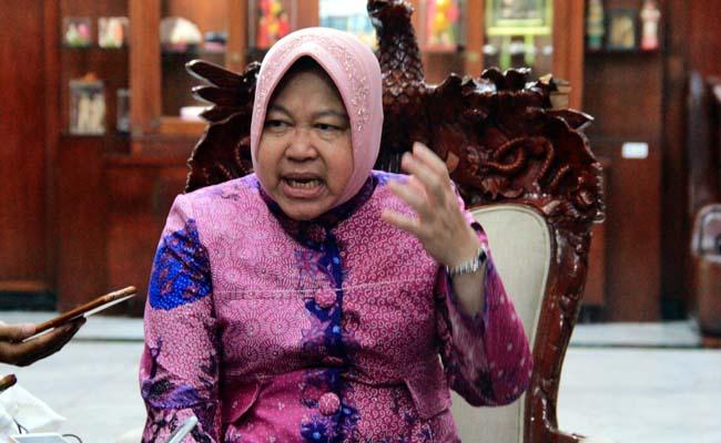 LAPORKAN : Satpol PP dibacok saat penertiban di Pasar Keputran Surabaya, Mendapati kabar ini Walikota Surabaya Tri Rismahari melaporkan ke Kepolisian, Rabu (27/2)