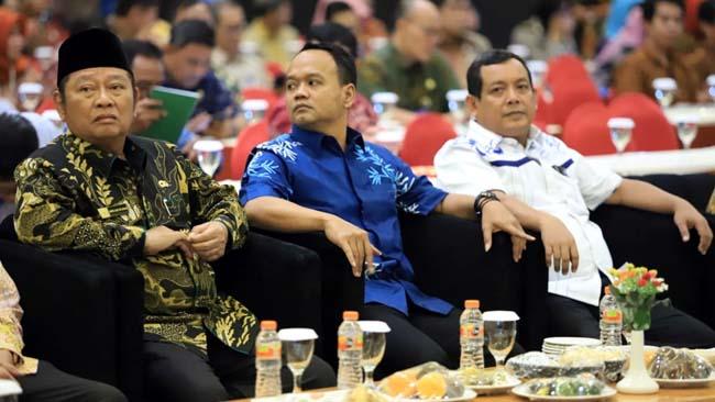 MUSRENBANG - Bupati Sidoarjo, Saiful Ilah bersama Ketua DPRD Sidoarjo, Sullamul Hadi Nurmawan memimpin Musrenbang RKPD 2019 yang digelar di Suncity Hotel Sidoarjo, Selasa (19/03/2019)
