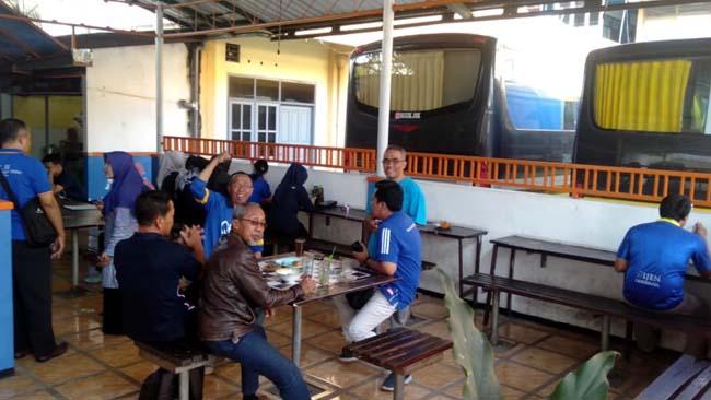 ASN Pemkab Malang Berseragam Biru
