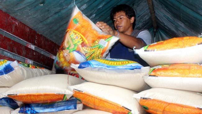 Bulog Malang Gelontor 26.000 Ton Beras