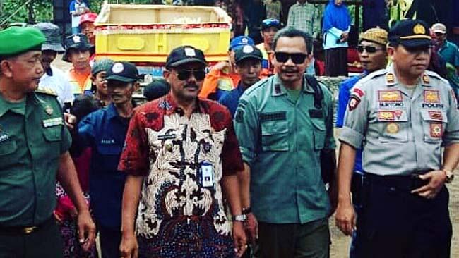 Sukirno KBKPH/Asper Sumbermanjing Bersama Muspika Gedangan. (Sur)