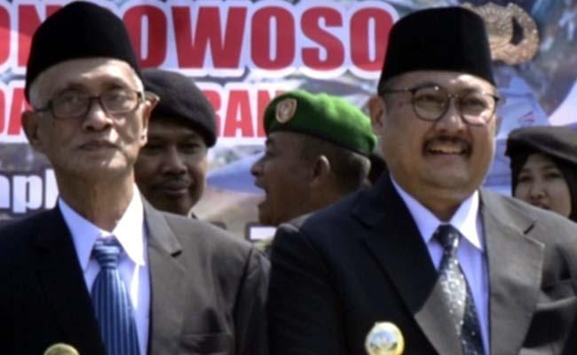 TIDAK TAHU: Bupati Bondowoso KH.Salwa Arifin dan Wabup Irwan Bachtiar Rahmat tidak mengetahui SK PMI Jatim tentang Pengesahan Pengurus PMI Bondowoso 2019-2024. (ido)