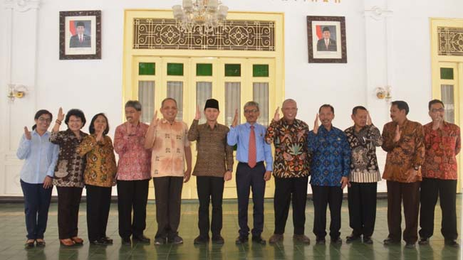 Bupati Trenggalek Mochammad Nur Arifin bersama jajaran Pemerintah Daerah Istimewa Yogyakarta