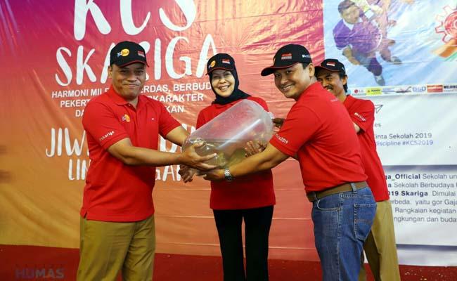 Walikota Batu Tanam Pohon Saat MOS SMK PGRI 3 Malang