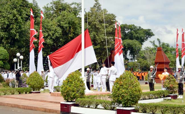 Bupati Arifin Pimpin Upacara Kemerdekaan RI ke 74 di Trenggalek
