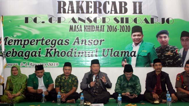 RAKER - Bupati Sidoarjo, Saiful Ilah didampingi Wabup Sidoarjo, Nur Ahmad Syaifuddin menghadiri Rapat Kerja (Raker) ke II GP Ansor Sidoarjo yang digelar di Villa Siloam Trawas Mojokerto, Sabtu (03/08/2019) malam