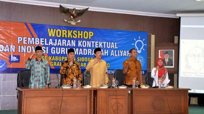 WORKSHOP - Wabup Sidoarjo, Nur Ahmad Syaifuddin membuka workshop Madrasah Aliyah Swasta Sidoarjo (Masda) di Aula Delta Graha Lantai 3 Gedung Pemkab Sidoarjo, Senin (19/8/2019).