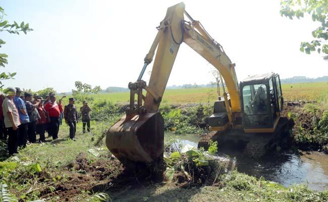 Bupati Thoriq Tegaskan, Program PKH Berasnya Harus dari Petani Lumajang