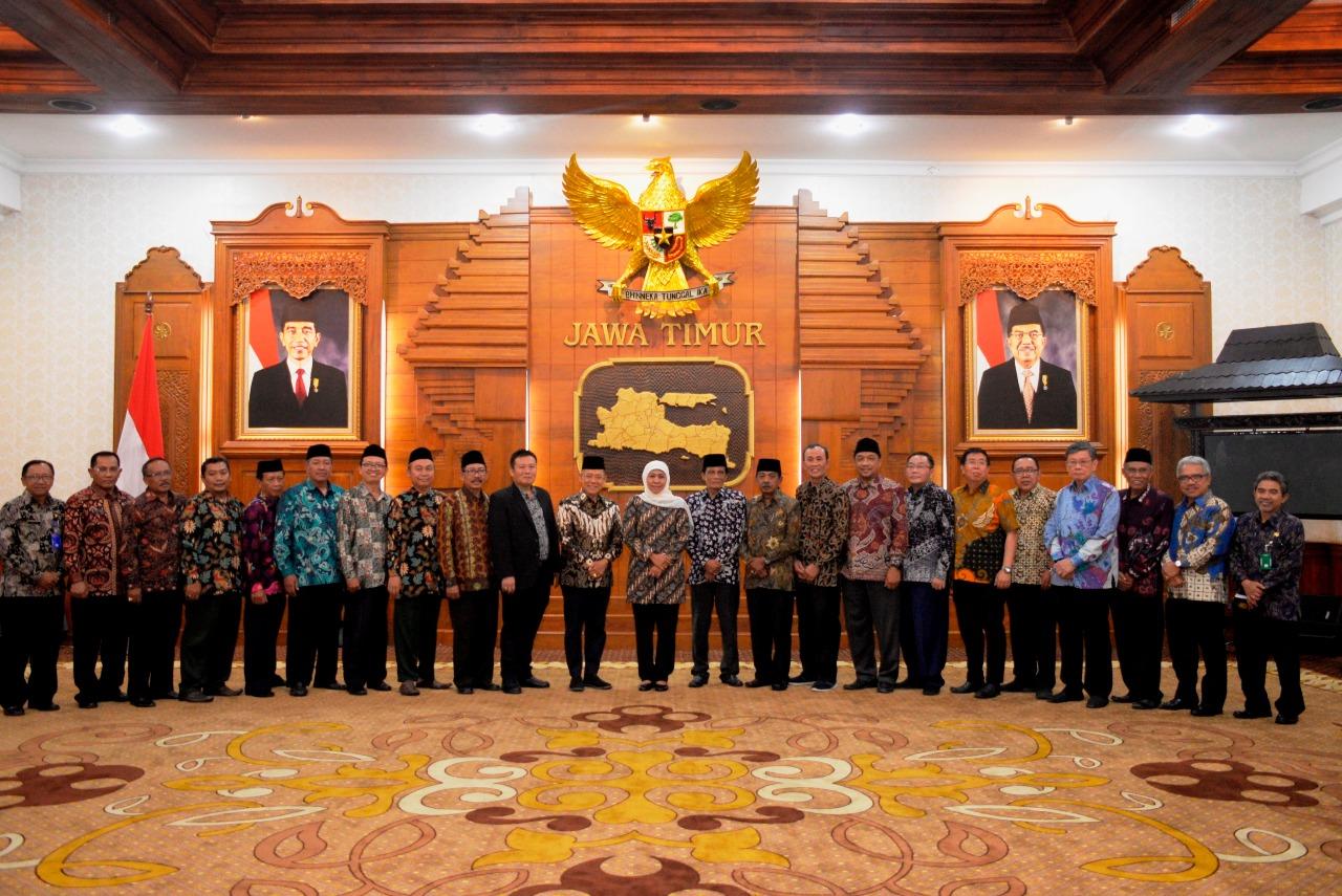 Gubernur Khofifah Ajak FKUB Bangun Kehidupan Harmoni Antar Umat Beragama Melalui Dialog dan Silaturrahim