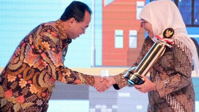Pemprov Jatim Borong Penghargaan Bidang Transportasi WTN
