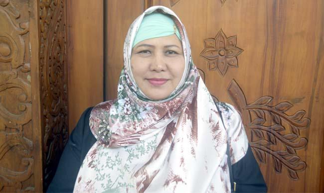 Hj.Mafrochatin Ni'mah (Ketua KOMISI II )