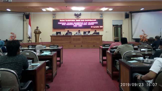 rapat paripurna DPRD Bangkalan tentang pembentukan susunan AKD, Senin (23/9/2019)